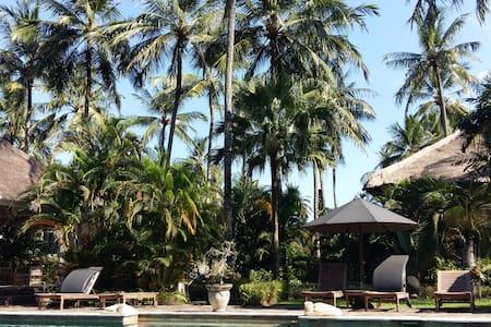 Luxury Room with Pool - Homestay - Batu Layar
