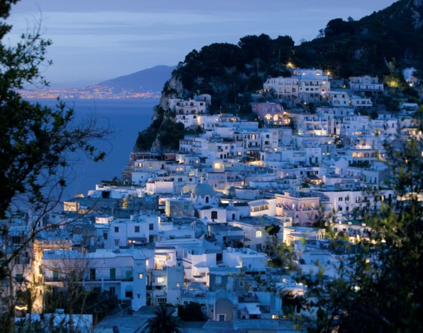 capri by night