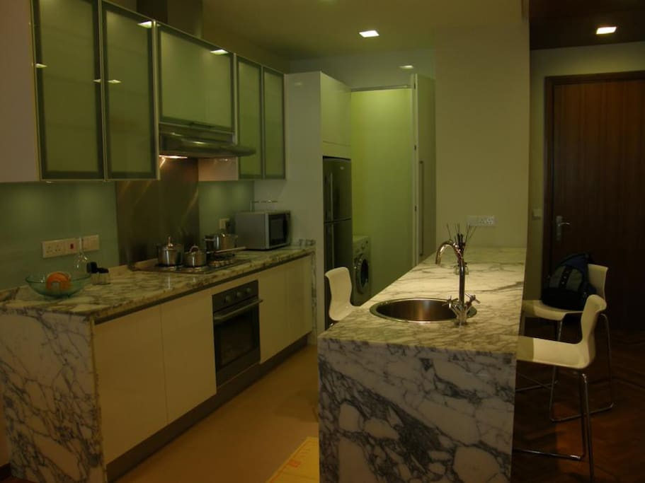 Fully equipped kitchen, fridge and washer