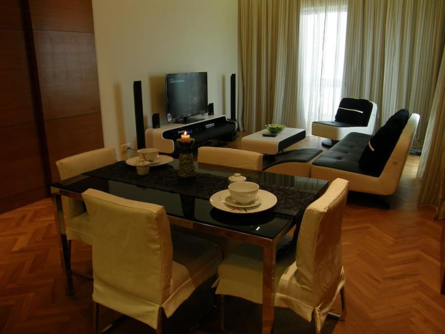 Dining and living set, flatscreen TV with theatre sound system