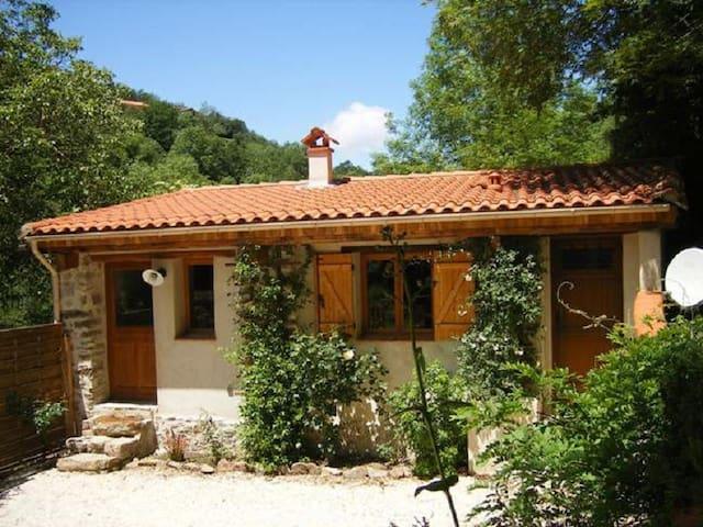Petit nid pour 3 en pleine nature - Amélie-les-Bains-Palalda - House
