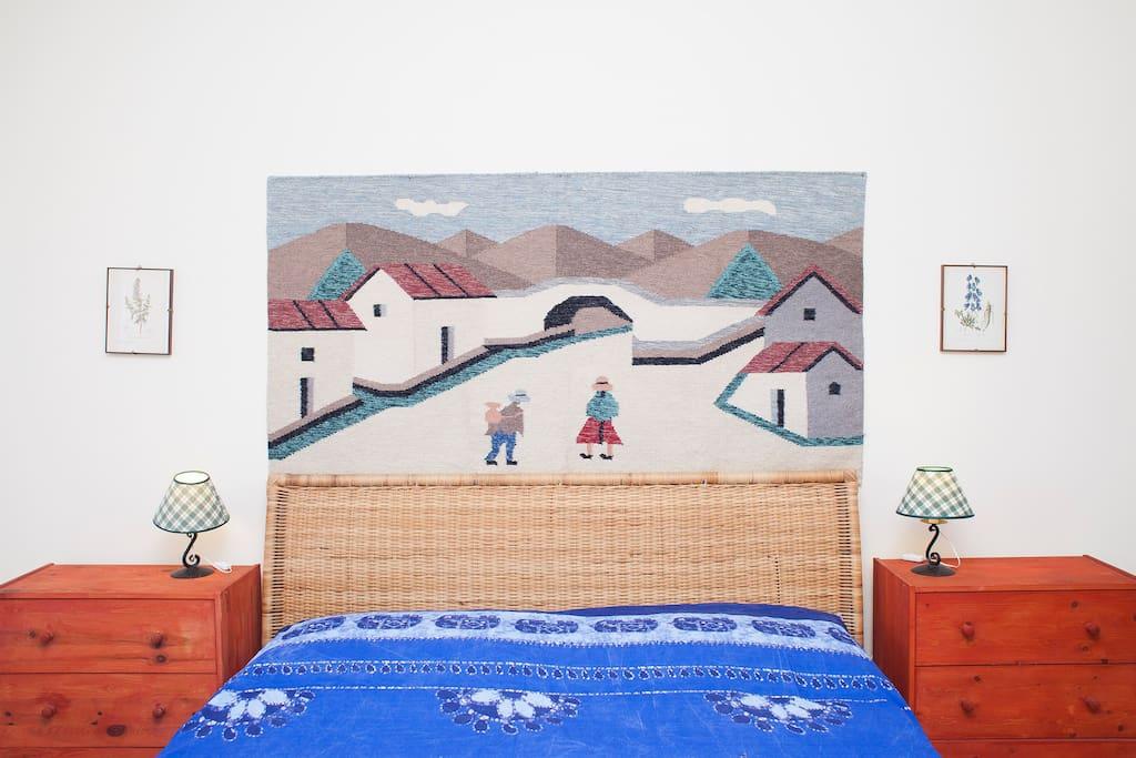 Camera matrimoniale con terrazzo. Double room with terrace.