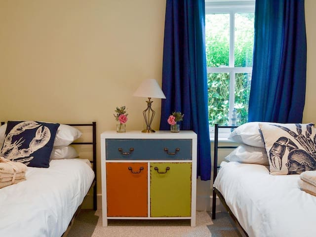 Charming twin bedroom