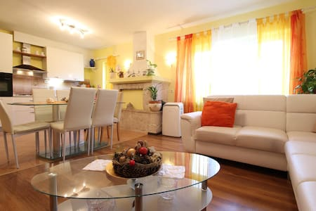 Apartment Milka / Two bedrooms A2 - Liznjan - Appartamento