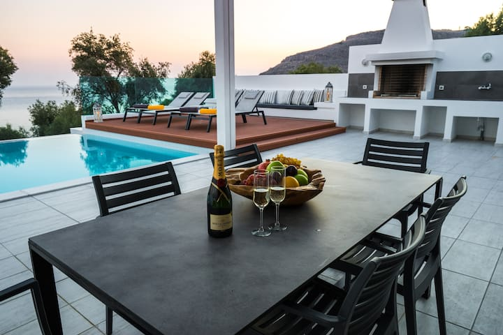 Newly built Sunset 3 villa