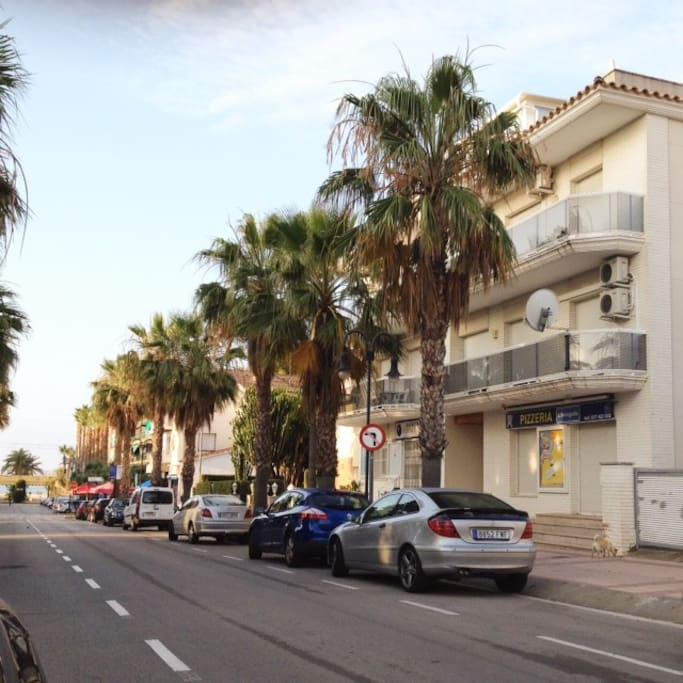Vista exterior Apartamento, a 210 metros playa.