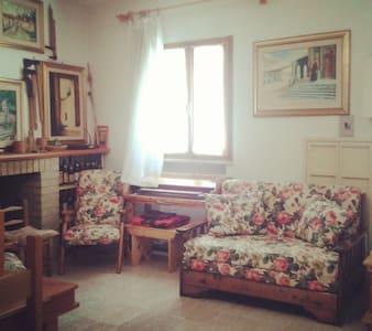 Accogliente Casa Vintage in Gallura - Tempio Pausania