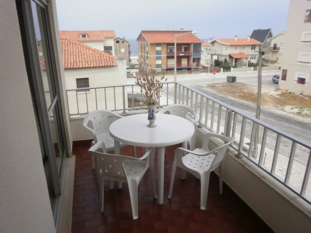 Flat 3 bedrooms 200m from the beach - Pedrogão - Apartament