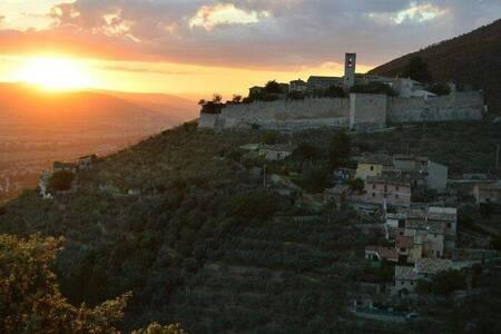 """Relais Borgo Campello, """"Jardin"""" - Campello Alto"""