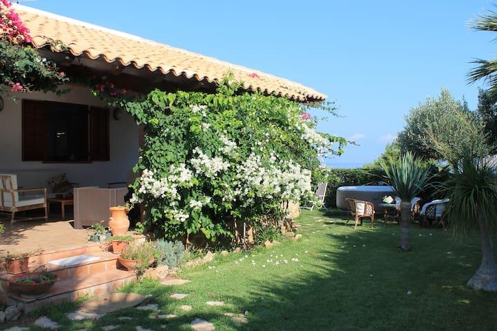 VILLA DOLCE VERDE - Alcamo Marina - Huvila