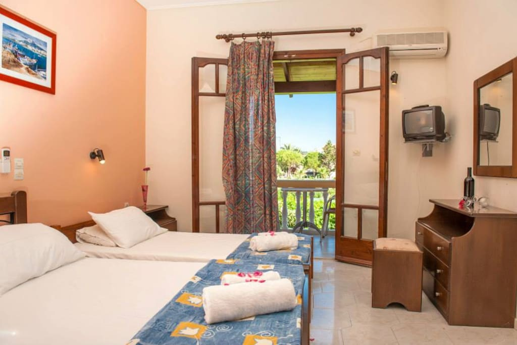Sea Side Studios - only 50m from Tsilivi beach and 10min walking from the Tsilivi centre