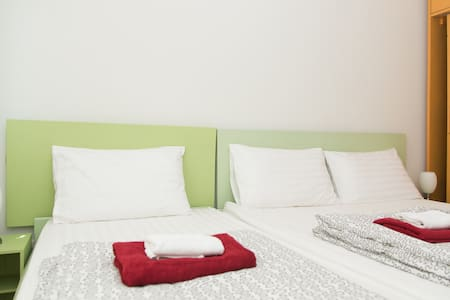 A. Cosy Bedroom and Livingroom - Super Clean - Bangkok - Apartment