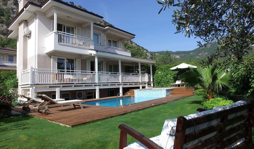 Luxury Villa in Wonderful Gocek - Göcek - House