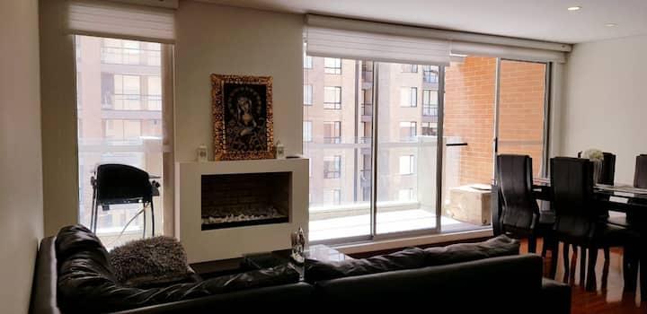 Amplio y nuevo apartamento