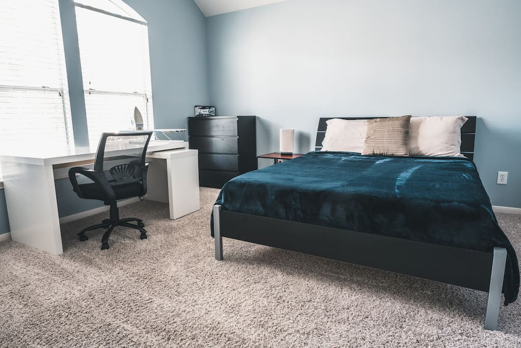 Cozy 2 bedroom townhome in heart of midtown townhouses for rent in houston texas united states for 2 bedroom townhomes in houston