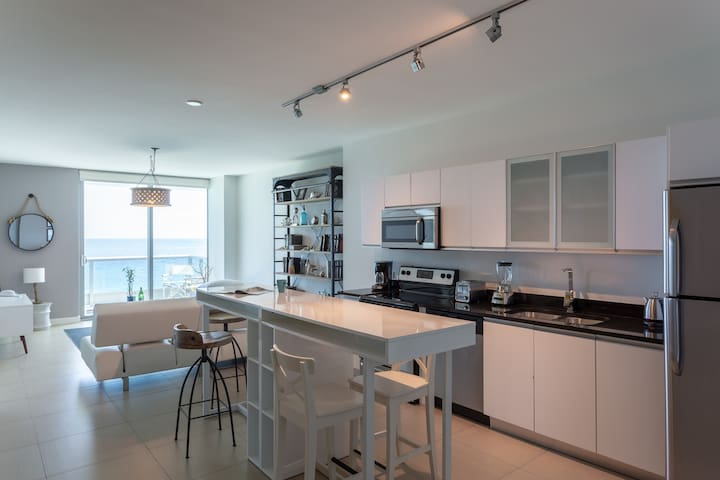Dharma | Miami Beach | Ocean Front 1BR +PARKING