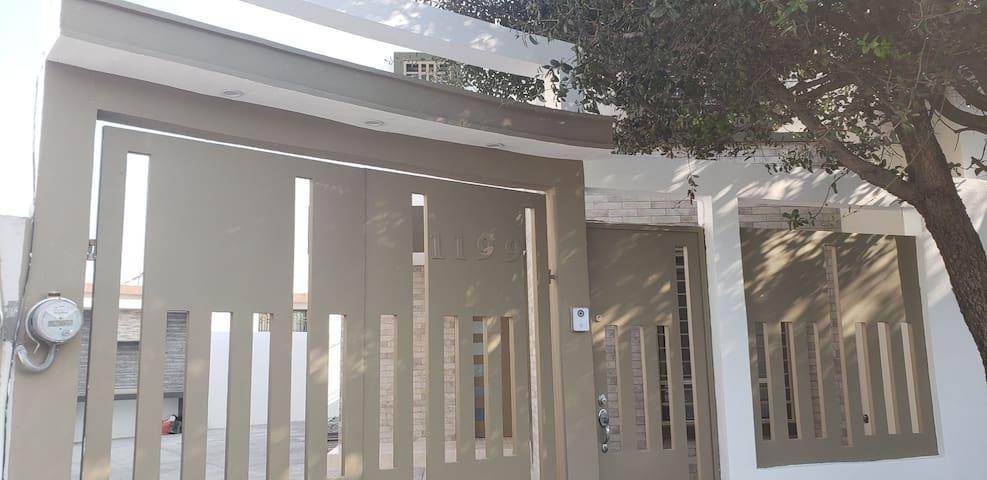 Casa en Cumbres, recien remodelada con asador