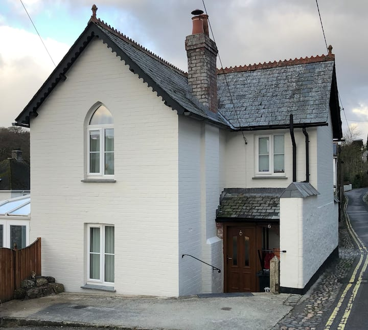 Church Lane Cottage, Dog friendly, own drive