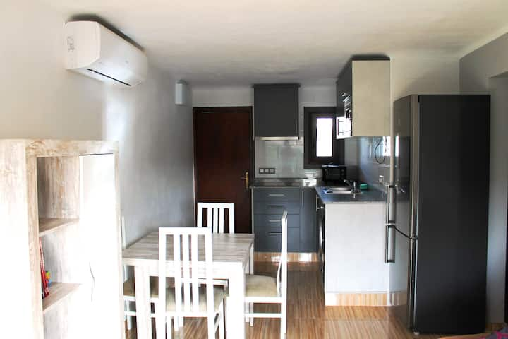 Completly renovated ap. 2min. from the beach!