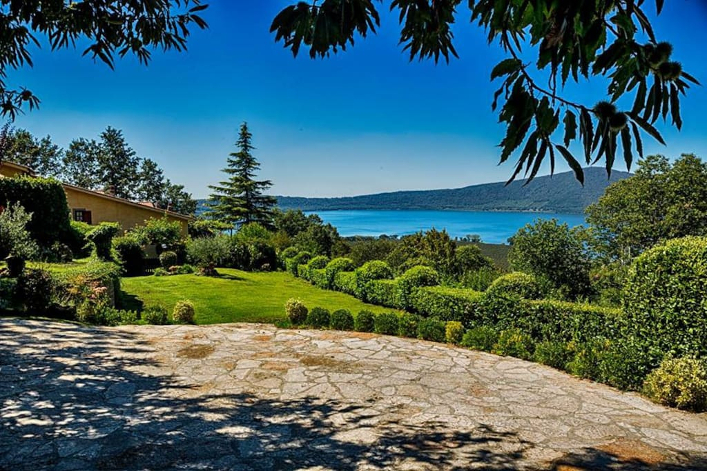 Country House for rent at lake near Rome