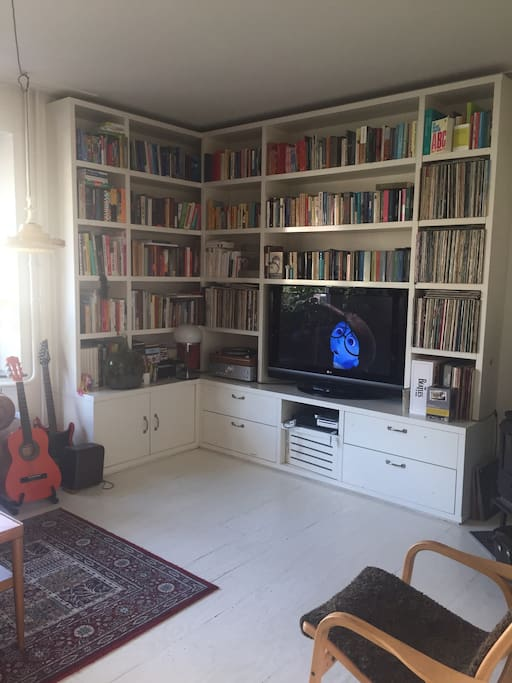 Music, books (also in English) and Netflix