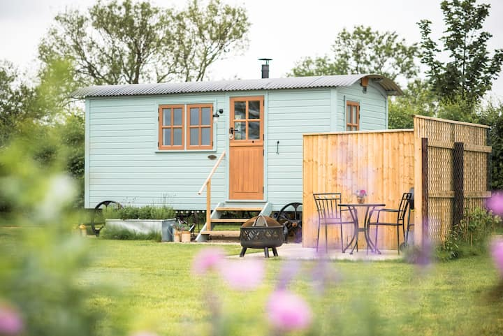 Flopsy Shepherds Hut