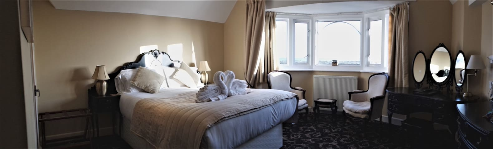 Gable End Hotel - Superior Double Room