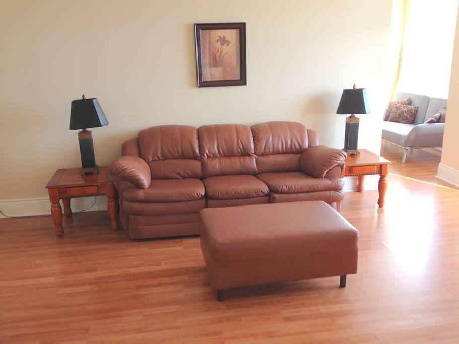 2 Bedroom Apartment In Mississauga Condominiums For Rent