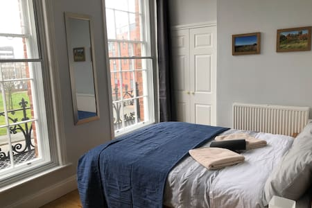 Large Double Room in Liverpool City Centre
