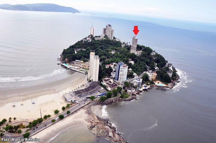 É esse prédio da setinha,  entre 2 praias: dos Milionários e do Itararé