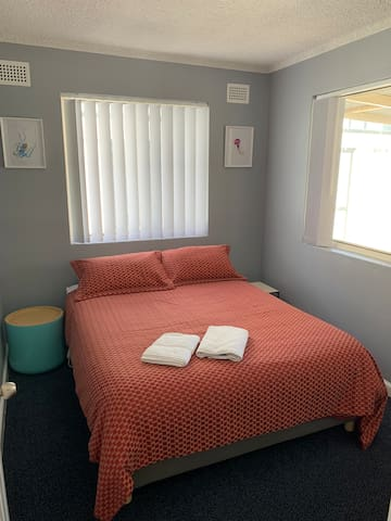 2nd bedroom - Queen bed, high quality mattress and clean & crisp linen provided. Heated blanket and fan-heater during winter months. Fan for hot summer nights.