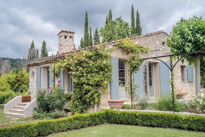 """""""La Roseraie"""", mas dans domaine provençal 2,5ha"""