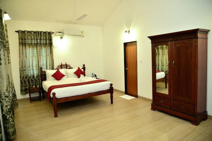 Deluxe Room in South Goa near Beach