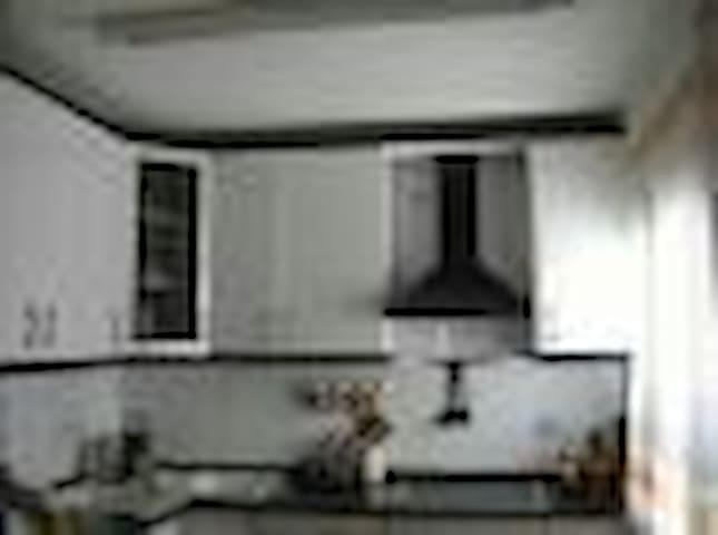 Piso. Tres habitaciones. Prox playa - Ceuta - Apartment