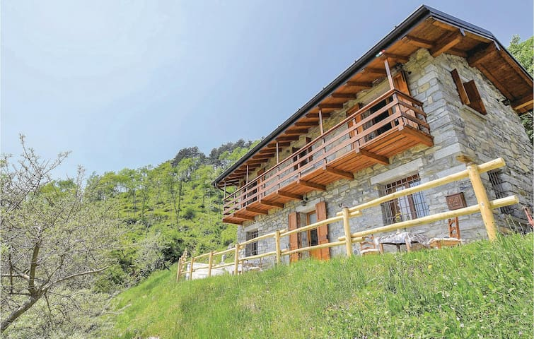 Holiday cottage with 2 bedrooms on 70m² in Ballabio (LC)