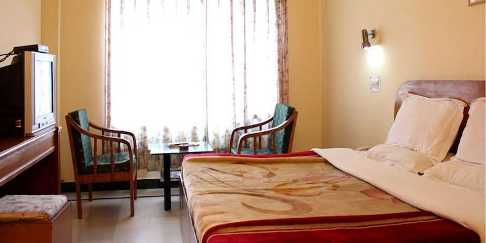 Inclusive Bed & Breakfast at Deluxe @ Kandaghat