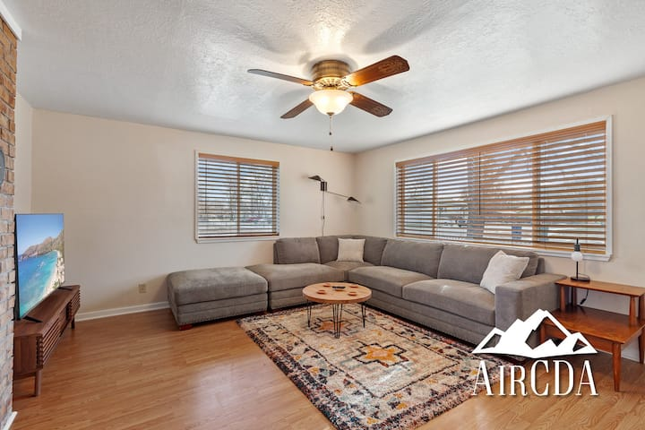 Stay Here! Post Falls Bungalow - Pets Welcome, Parking for RV + Boat!