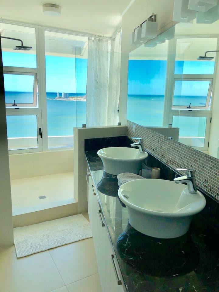 Luxury Beach Front 2 bed 2 bath apt in Bahia!