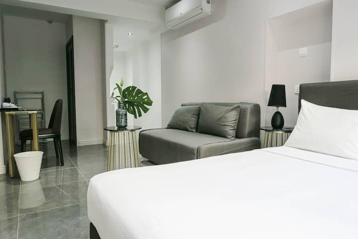Comfy Modern Studio Apt @ Orchard/ Central Area