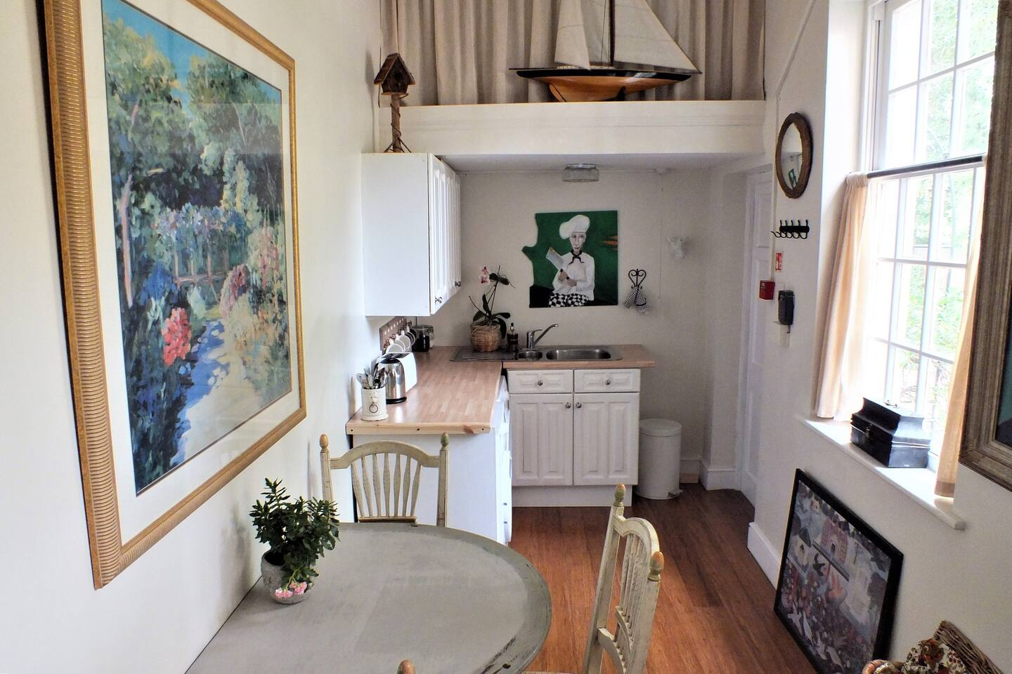 Hampton Court Snug 5 Mins Walk To The Palace Apartments For Rent In Molesey England United Kingdom