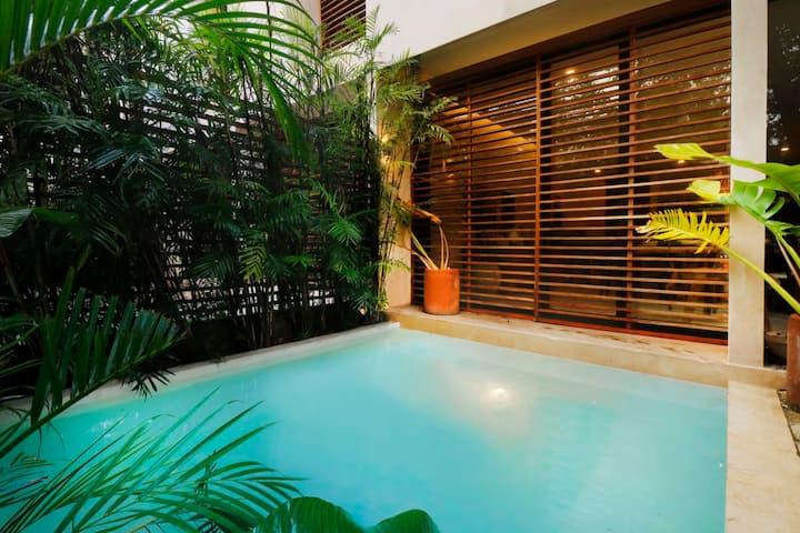 Ground Floor with Private pool and Garden 2BR   in Aldea Zama Bai Ha