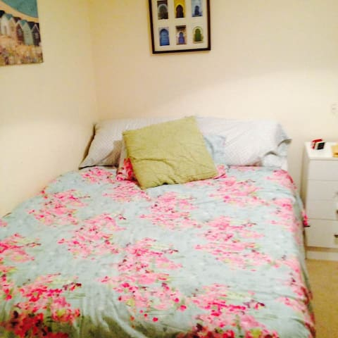 Beachy private room, en suite. - Peacehaven - Casa