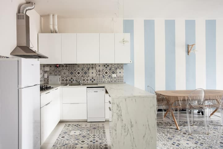 Saragozza Apartment 1: Bright and central flat