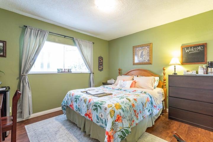 Beautiful Bedroom and Bath in Buena Park, Calif.