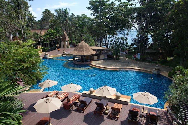 Crown Lanta Beachfront Resort