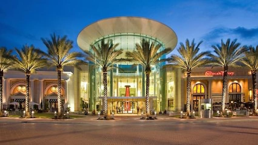2020 Condo of the year/Next to Hwy/ Sawgrass Mall