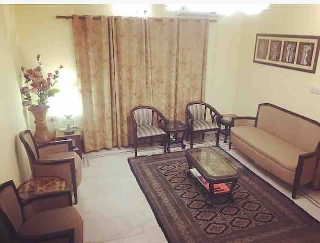 Affordable Private rooms in VIP area in Lucknow.