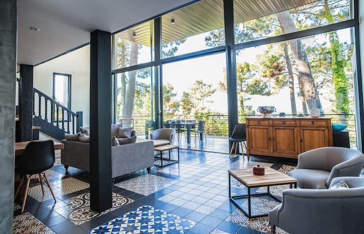 Superbe Villa neuve pour 12 personnes avec une double terrasse, son jacuzzi