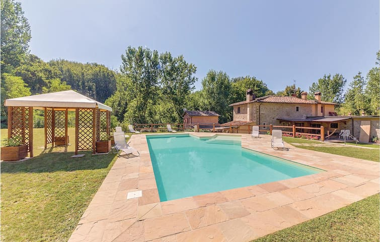 Holiday cottage with 3 bedrooms on 80m² in Reggello FI