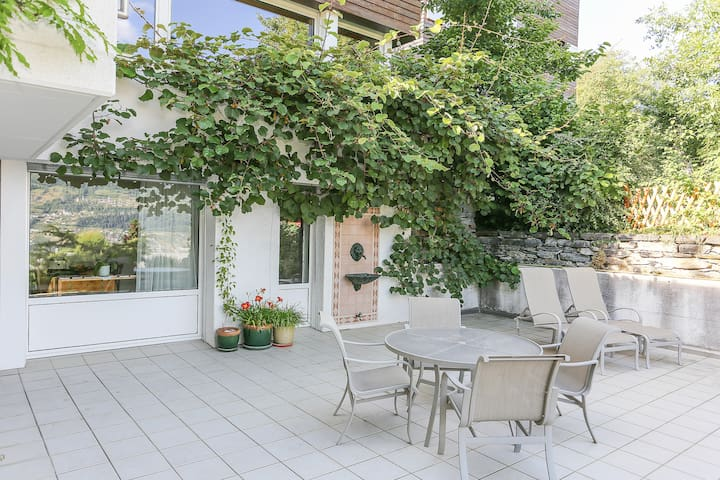 Apartment/Terrace private and quiet - Sion - Huoneisto